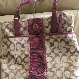 Coach purse   Used twice. Great condition